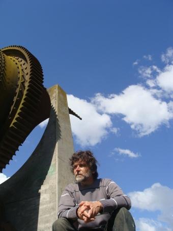 Daniel Fitte y su Monumento al Trabajo